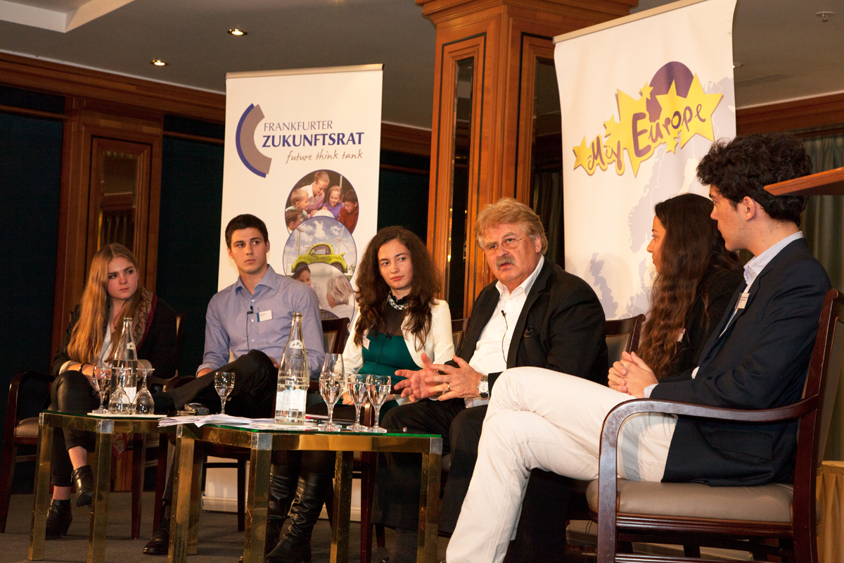 Youth Council Panel discussion with MEP Elmar Brok